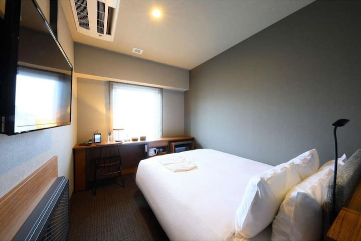 3 minutes walk from Akasaka station! Non smoking Double room