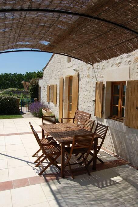 Le Cadran Solaire, terrace