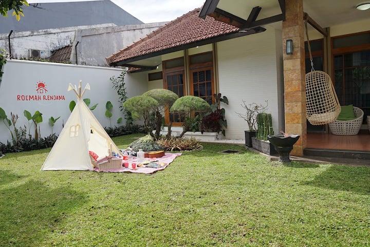 Entire House - Roemah Renjana Bandung