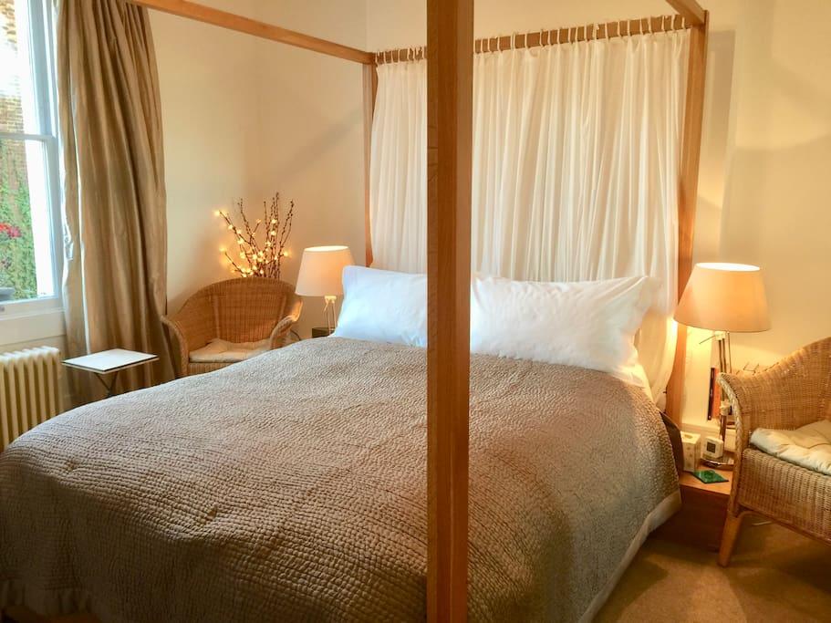 Quality bed & bedlinen