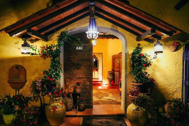 Cozy room  located between Florence and Siena - Gaville - วิลล่า