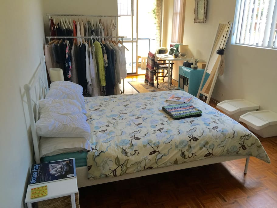 High Ceilings ,  Super Comfy pillow top bed! Clothes rails, magazines , books , comforts for you to enjoy, welcome!.