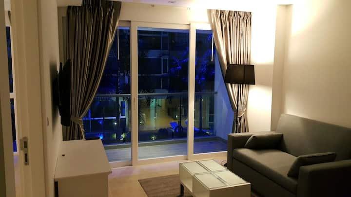 Centara Avenue suits&Residences (Centara Azure)