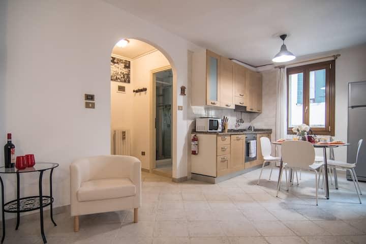 CASA MORESCA, cozy apartment close to Rialto