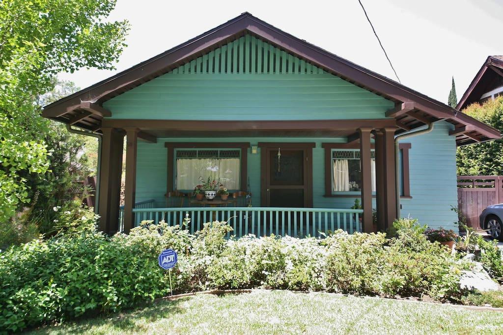 1919 Craftsman home in historic district of Pasadena.