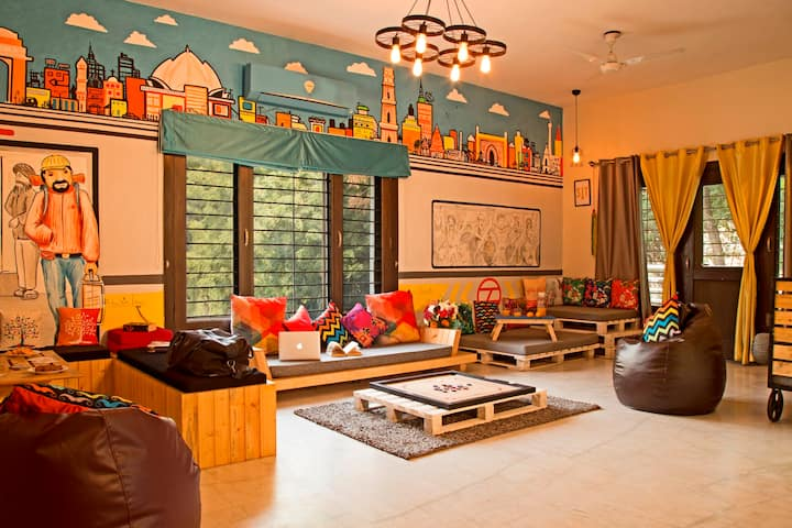 6 Bed Mixed Dorm in South Delhi