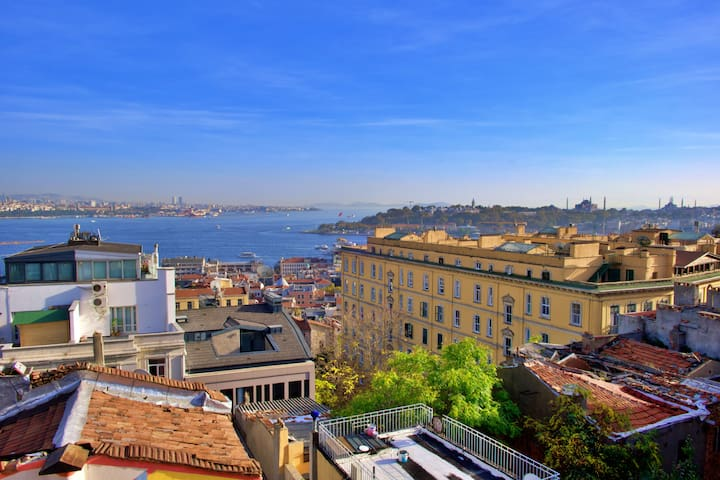 Disinfected! Duplex Penthouse w/ Seaview in Galata