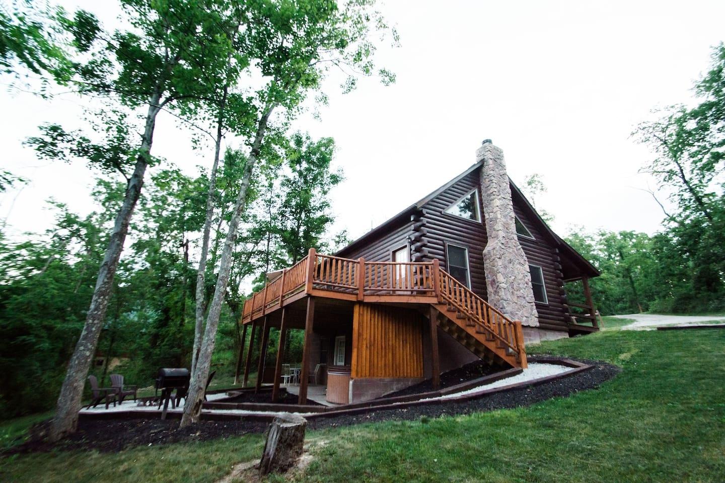 deck logan cottage upper rental cabin cove in ohio of log hocking heron view team rentals lake cabins hills