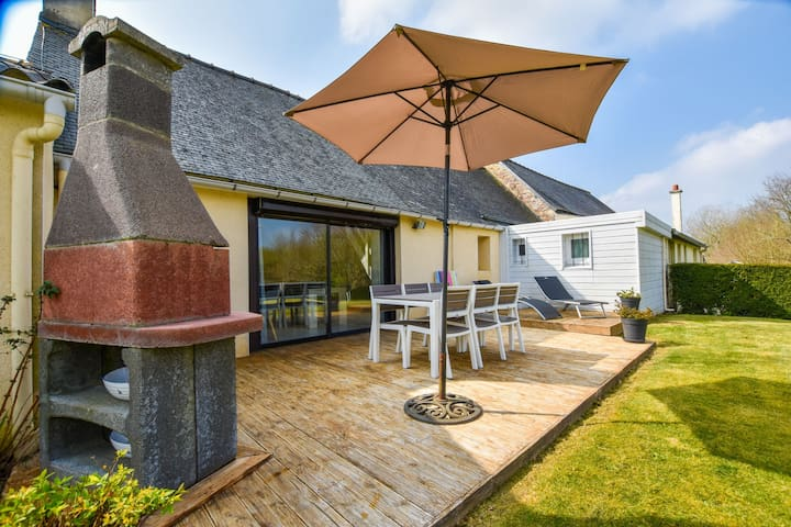 Maison de vacances cosy en Bretagne avec jardin clôturé