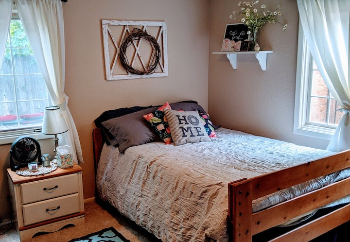Cozy Guest room on Casper's East side