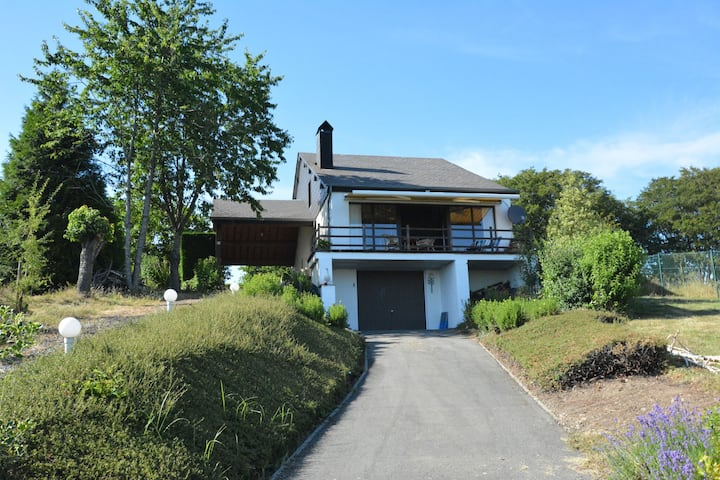 Casa vacacional con patrimonio en Hastière-Lavaux con jardín