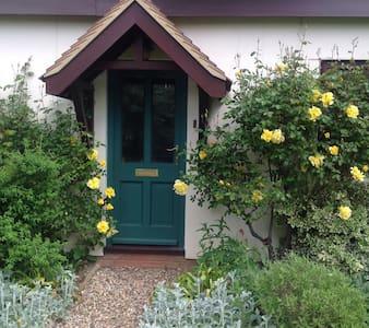 Breewood House - Great Horkesley