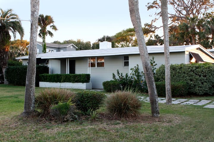 Mid-Century Beach Bungalow in Old Ponte Vedra - Ponte Vedra Beach - 獨棟