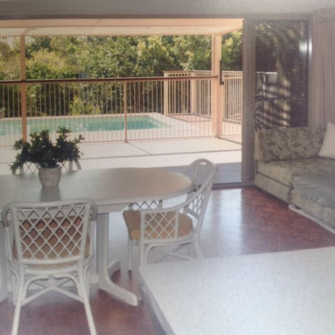 Expansive, comfy space. - Peregian Beach - Huis