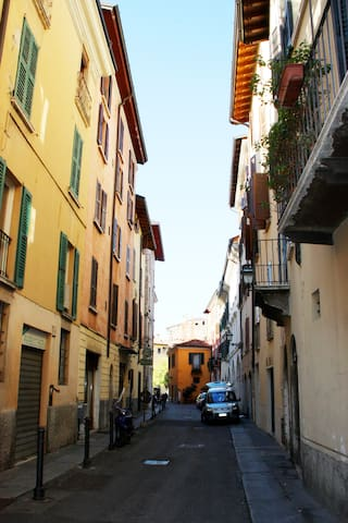 Contrada Piazza dell'Olmo overview (2) (other side)