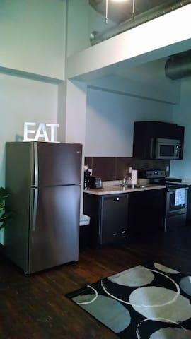 Modern downtown 1 bedroom!!!