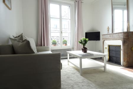 Cosy classical flat in front of the Royal Castle