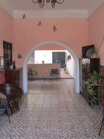 Room for Four - Ciudad de Armería