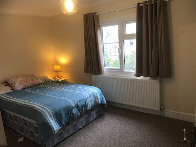 Cosy one double bedroom flat in north London