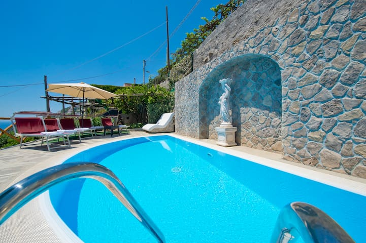 Virgo luxury with Private Pool in Praiano and View