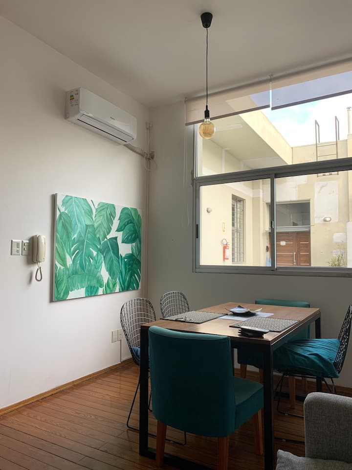 Hermoso apartamento con terraza privada y parrilla