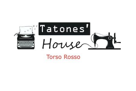 Tatones' House - Torso Rosso bedroom