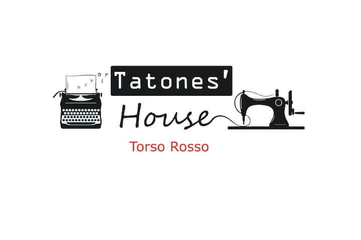 Tatones' House - Torso Rosso bedroom