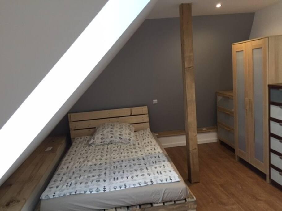 stilvolles zimmer zentral und preiswert wohnungen zur miete in bielefeld nordrhein westfalen. Black Bedroom Furniture Sets. Home Design Ideas