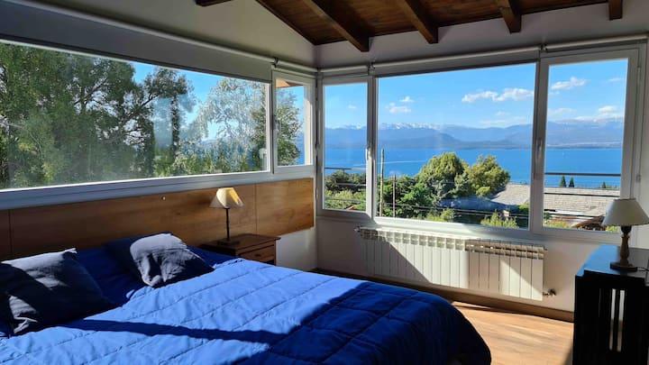 Casa con espectacular vista al lago Nahuel Huapi