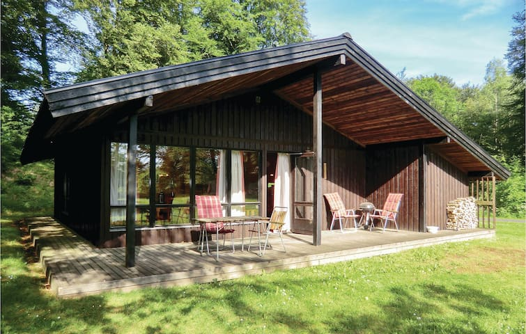Holiday cottage with 3 bedrooms on 82m² in Tjörnarp