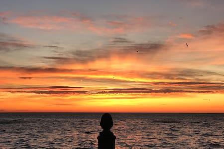 Waterfront All-Season Getaway, Relax in Comfort