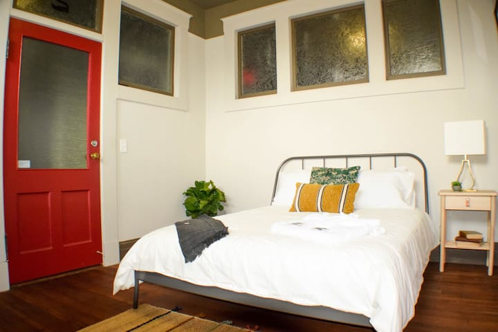 The Eulalia Rooms | Downtown Monroe