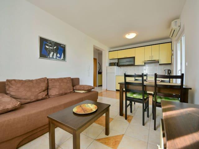 Apartment - 107.6