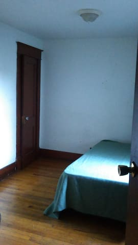 HiSpeed WiFi, Center Square, great location! - Albany - Apartamento