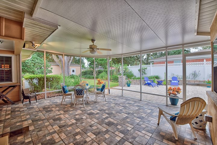 Golf Course View- 3 bedroom/2 bath Home In Ocala