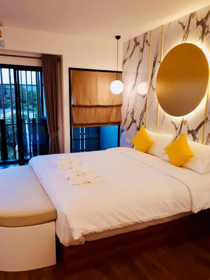 La La Moon Krabi Pool & Bed