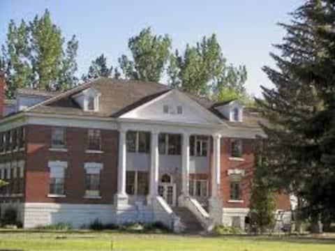 Summerhill Estate, Teton Suite, Adventure Abounds