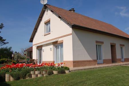 Chambre privée, kitchenette, sdb/wc privés - Clairy-Saulchoix
