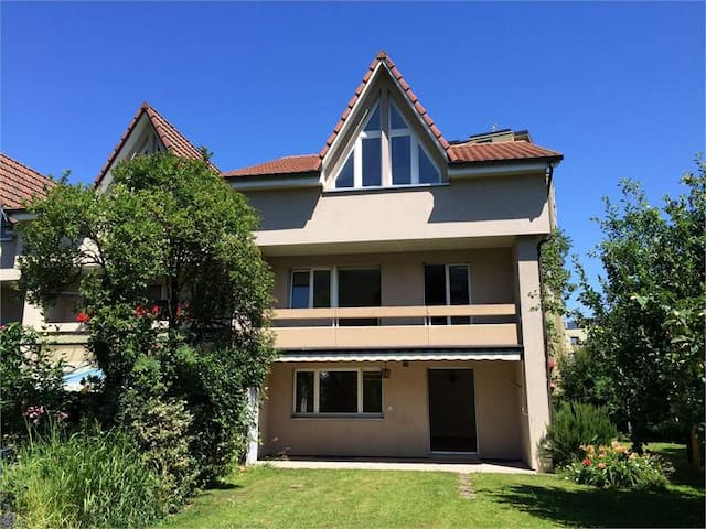 Sunny house close to Basel / Zürich - Stein - Ev