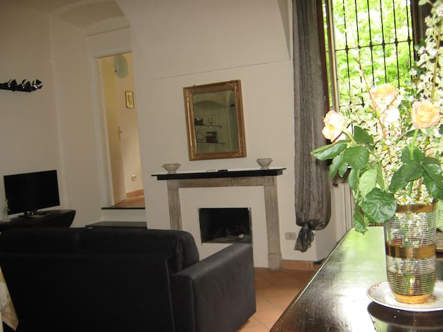 Delicious Apt in Historic House - Acqui Terme