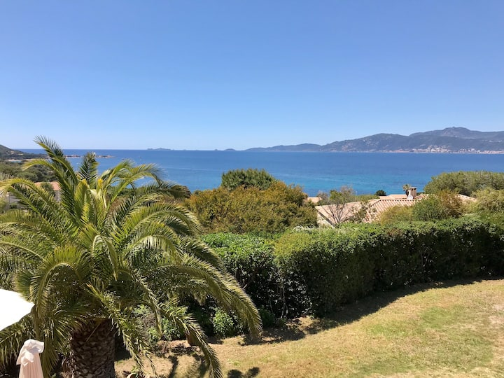 Superbe villa vue mer et plage à pied