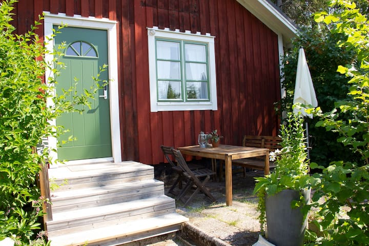 Garden studio close to nature at Alnö