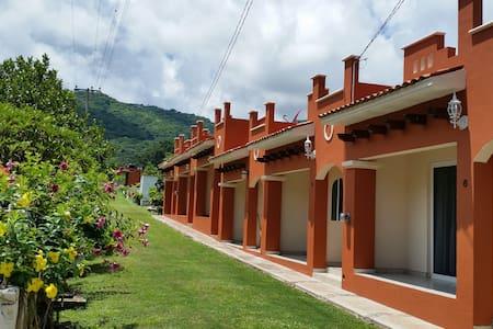Habitaciones Lucero, Cerca de una Hermosa Laguna - Tepic - อื่น ๆ
