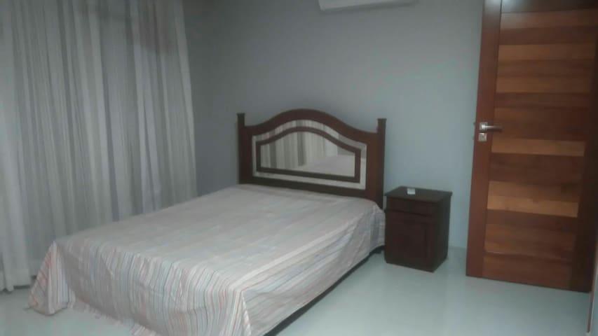Lindo quarto de casal com suíte. Em Colatina ES