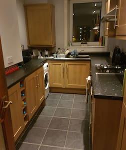 Beautiful 2 bed flat for August - Edinburgh, Scotland, GB