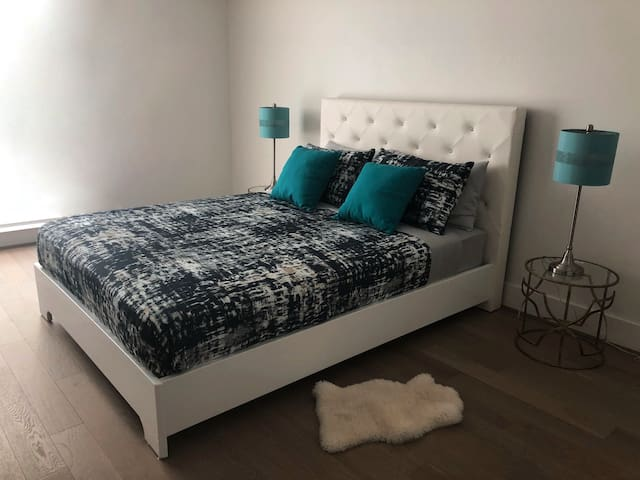 hollywood luxury studio for 3 people apartments for rent in