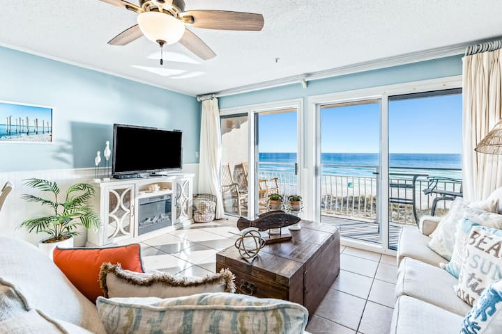 Gorgeous 2nd Floor Condo in Heart of Destin! Gulf Front, Pool, Beach Boardwalk