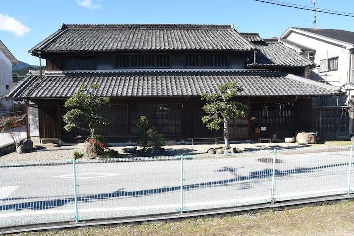 奥大和の小京都 宇陀松山の古民家の宿「奈の音」