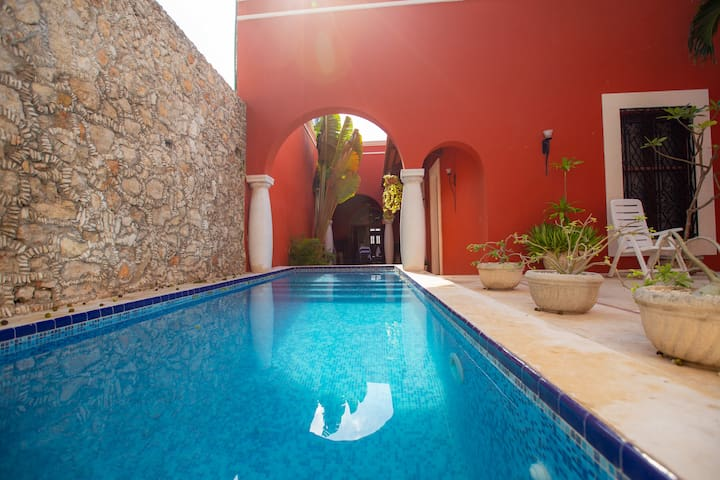 Style and luxury in the heart of El Centro!