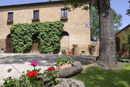 climatized villa with heated pool - Siena/Monteroni d'arbia - Villa